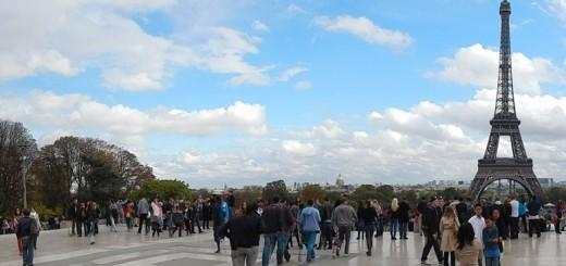 Pogled na toranj sa Esplanade du Trocadero