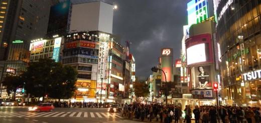 Tokio - Shibuya crossing, najprometnije raskršće na svijetu, na jedno zeleno svjetlo prođe i do 3000 ljudi u svim smjerovima