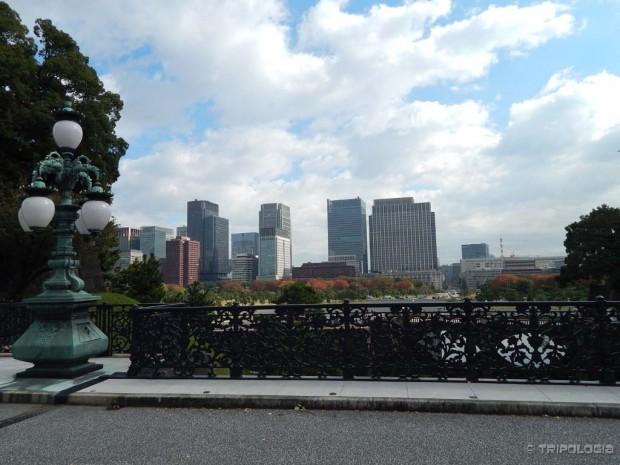 Tokyo Imperial Palace, pogled iz palače preko Chiyoda parka na grad