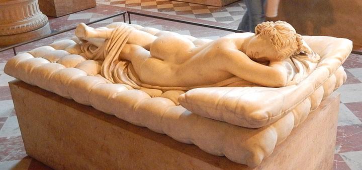Louvre, muzej svih muzeja, dom 380.000 eksponata koji posjeti 10 miliona ljudi godišnje