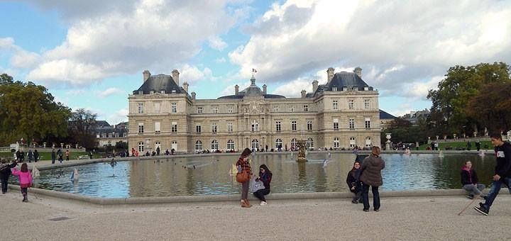 Palais du Luxembourg u istoimenom parku, prelijepom i drugom po veličini parku u Parizu