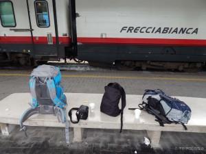 Koliko je stvari potrebno? Dva veilika backpack-a, jedan mali dnevni, fotoapart i kava - Start u Trstu