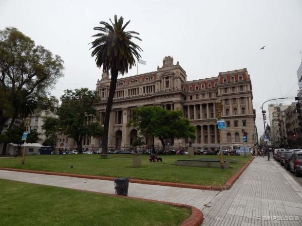 Palača Pravde, Plaza Lavalle