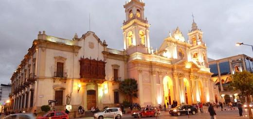 Salta La Linda - Plaza 9 de Julio i katedrala