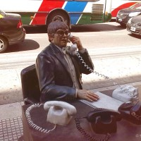 Humor i vedar duh grada ogleda se i u spomenicima - Avenida Corrientes