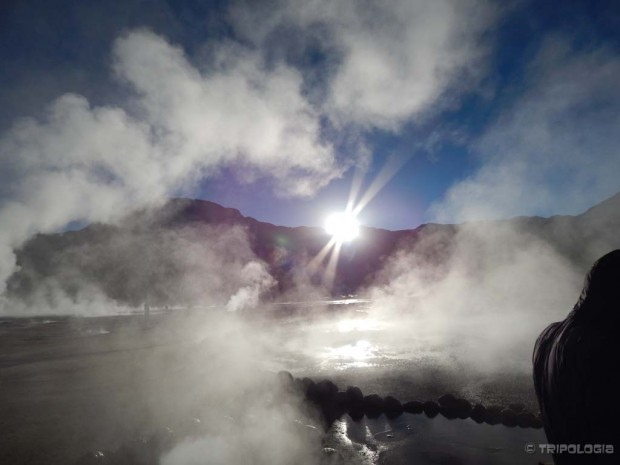 Mistični izlazak sunca iznad gejzira na 4.300 metara nadmorske visine