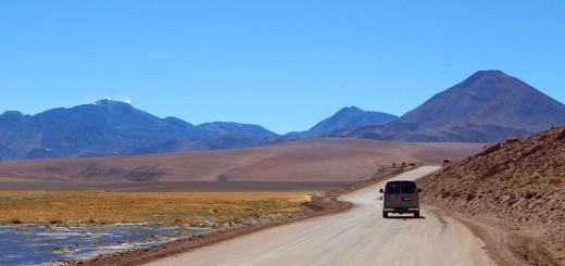 Prašnjavim putevima kroz Atacamu, kroz zemlju vulkana i gejzira