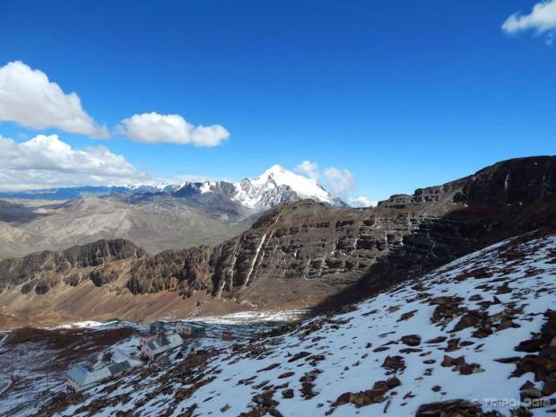 Pogled sa vrha Chacaltaye na 6.088 metara visok Huayna Potosí