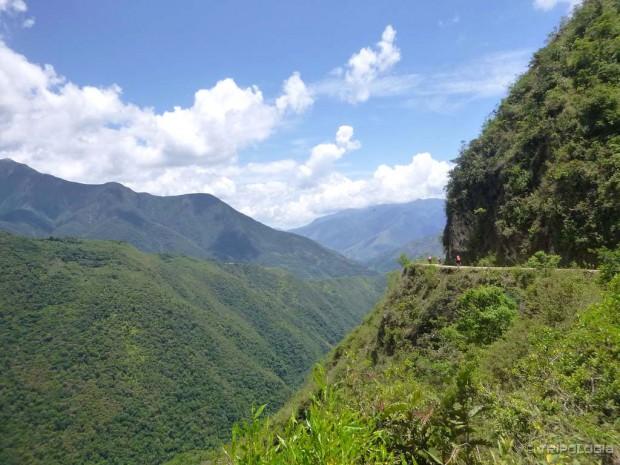 Prekrasni pejzaži i uski prolaz usječen u planinu