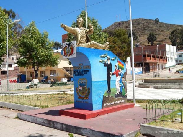 Pomalo komični spomenik najvećem heroju Bolivije Eduardu Avaroi