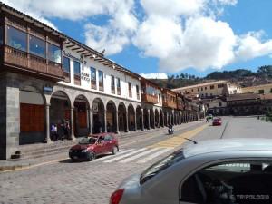 Plaza de Armas, kolonijalne arkade su oko cijelog trga...