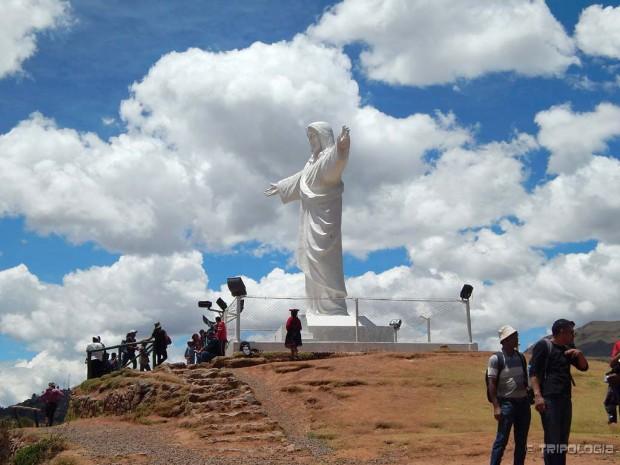 Kip Cristo Blanco iznad Cusca