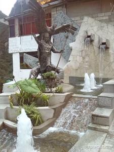 Aguas Calientes je prepun spomenika Inkama