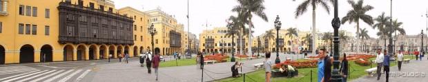 Plaza de Armas ili Plaza Mayor je glavni trg Lime...