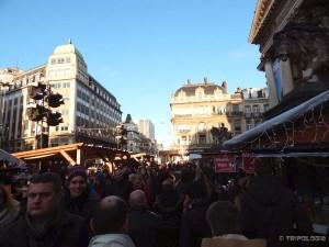 Gužva ispred briselske burze za vrijeme božićnog sajma
