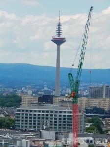 Europaturm - najviša građevina u gradu, 337 matara visok toranj
