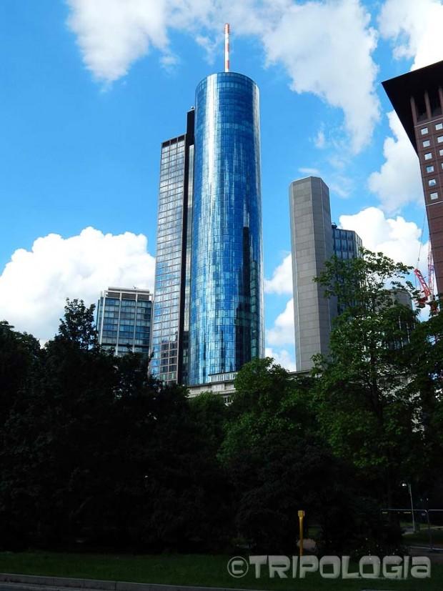 Main Tower, 200 metara visok neboder sa najvišim vidikovcem u gradu na 56-om katu
