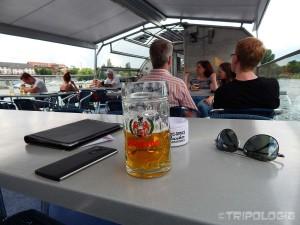 Uživancija na rijeci uz hladno pivo...