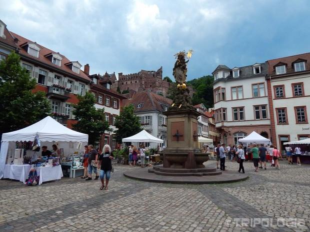 Trg Kornmarkt i kip madone