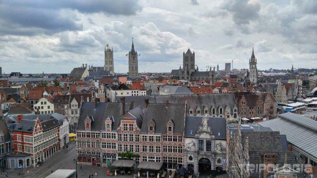 Pogled sa vrha Gravensteena na tornjeve Genta...