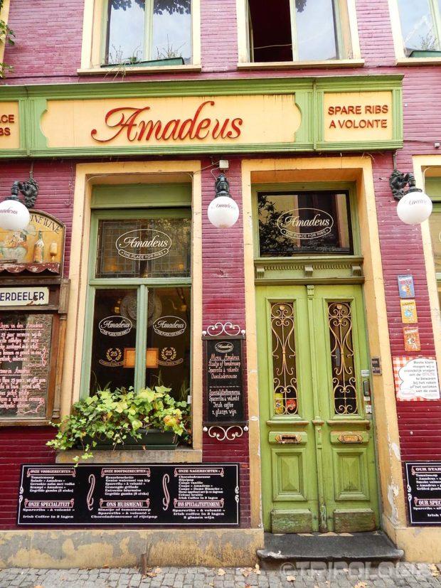 ...i intimnih, živopisnih restorana