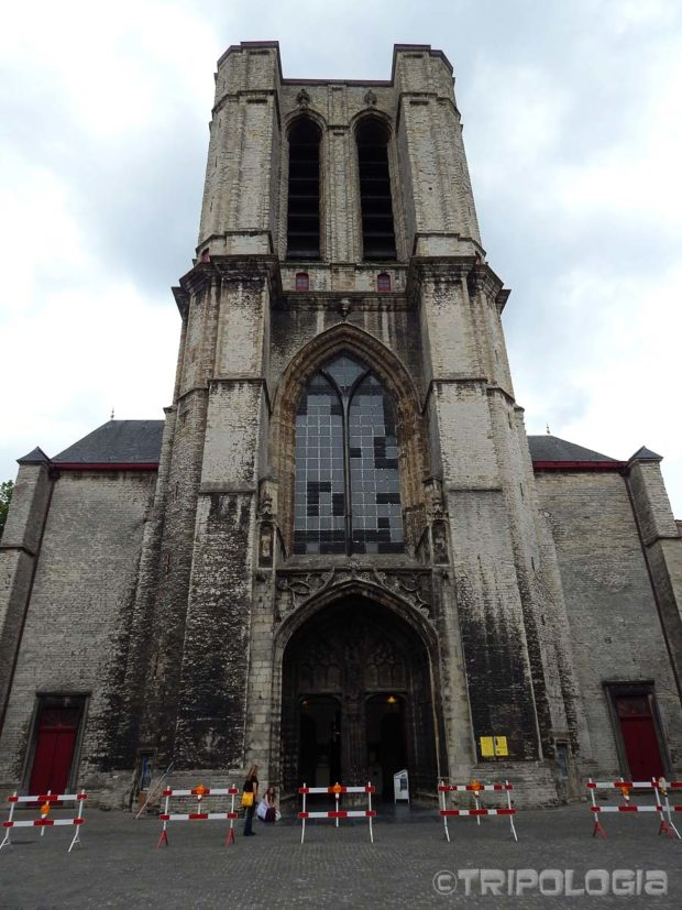 Sint-Michielskerk (crkva Sv. Mihaela), pogled sa prednje strane na nikada završeni toranj...
