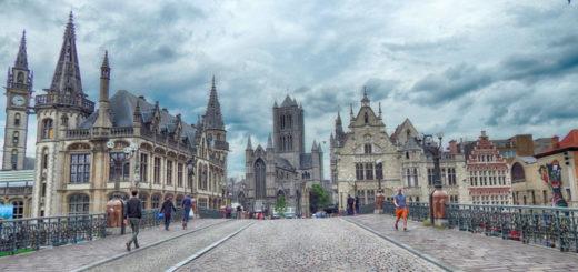 Kao u vremeplovu - pogled sa mosta Sint-Michielsbrug
