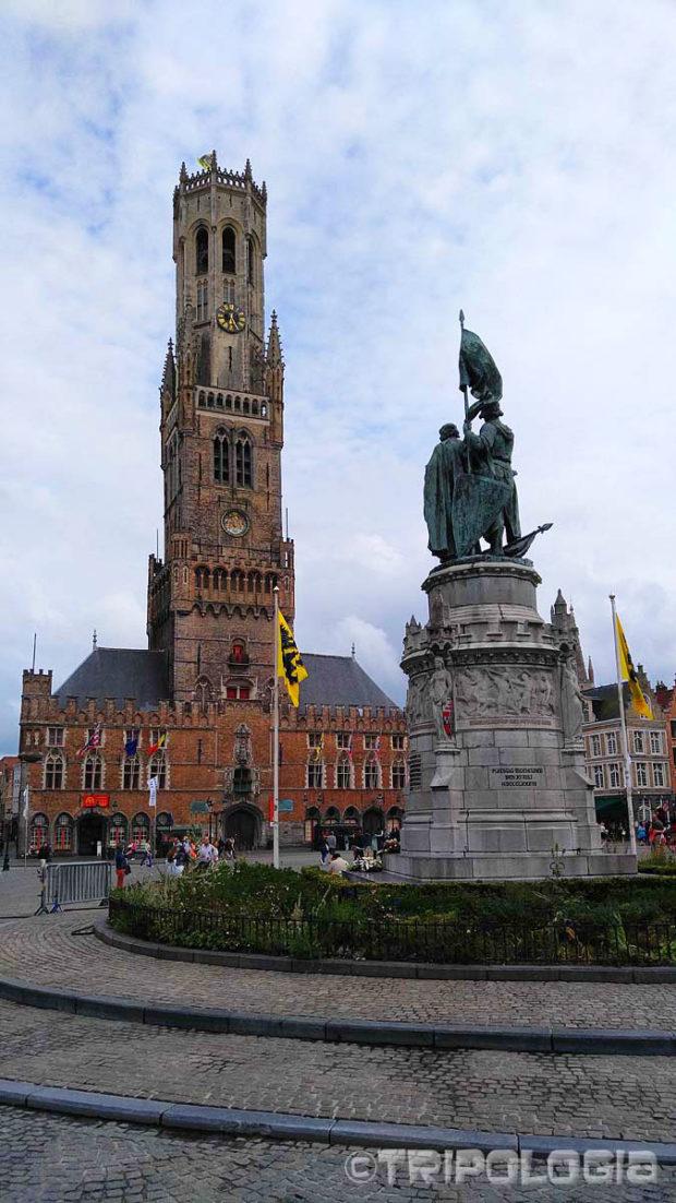 U sredini Grote Markta nalaze se kipovi Jana Breydela i Pietera de Conincka