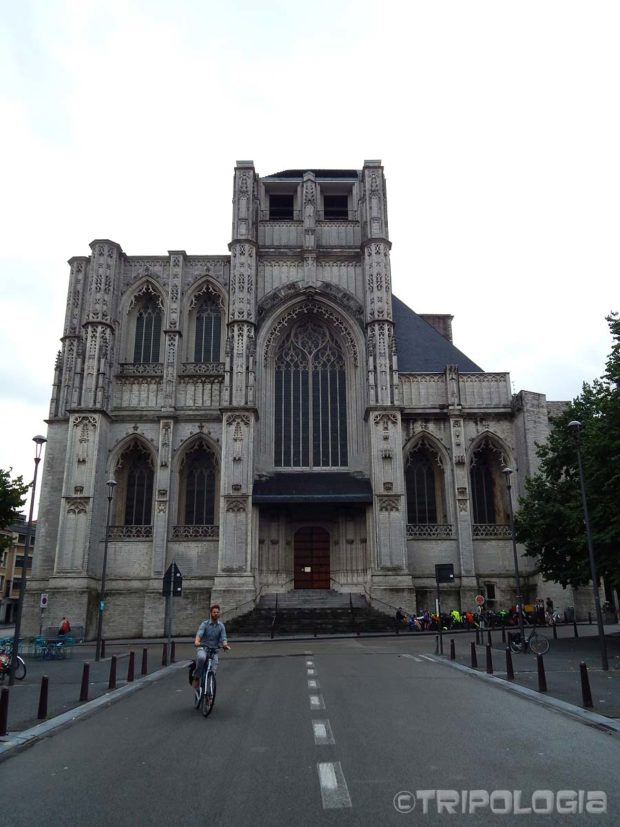 Toranj crkve Sv. Petra trebao je biti visok 169 metara no nikada nije završen