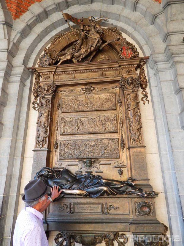 Kip lorda Everard t'Serclaes. dotaknete li mu ruku vratit ćete se u Bruxelles